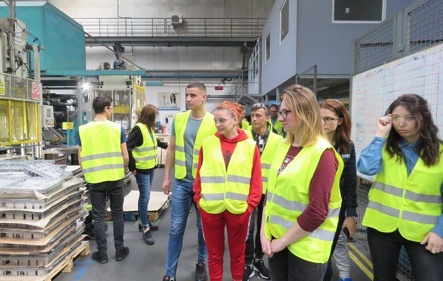 12 tineri din Chisinau in vizita la Parcul Industrial din Oradea, in cadrul unui proiect pentru dezvoltarea abilităţilor pentru o viaţă independentă şi angajare în câmpul muncii