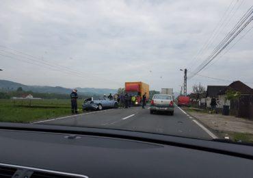 Accident mortal pe DN1 intre Topa de Cris si Borod. O persoana a decedat, iar 4, dintre care un minor, au fost transportate la UPU Oradea