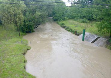gospodarii si drumuri inundate bihor (4)