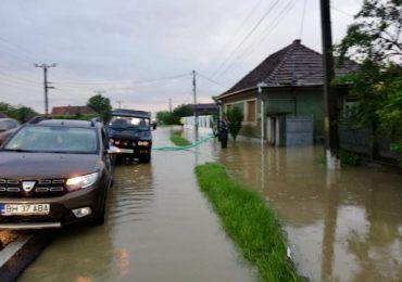 gospodarii si drumuri inundate bihor (5)