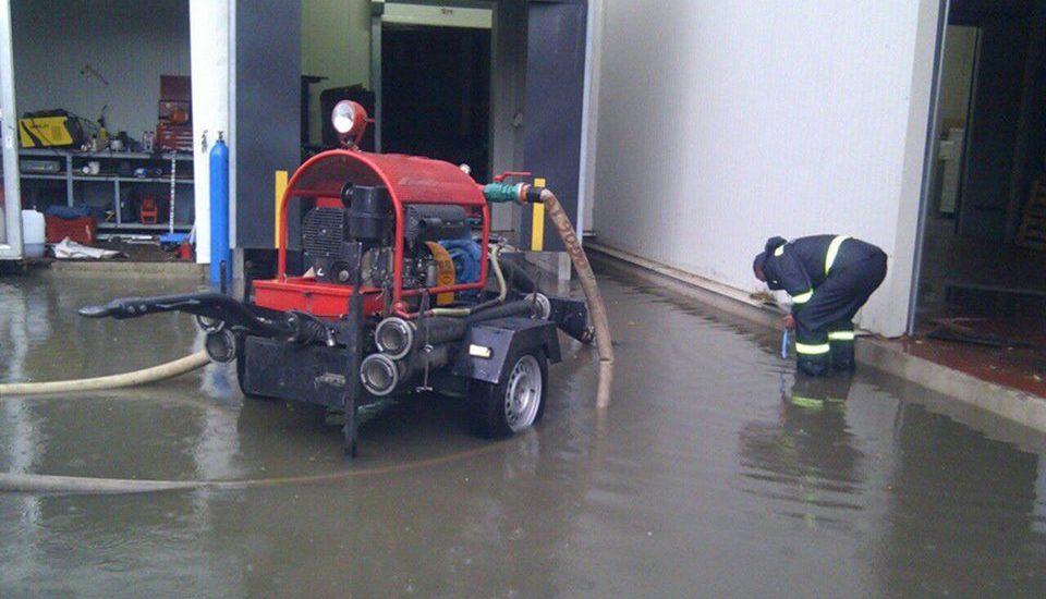 Efectele vijeliei din Bihor: Incendii provocate de transet, copaci doborâți de vijelie și inundații (FOTO: ISU)