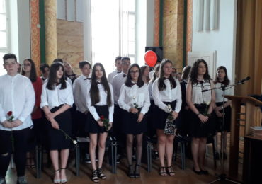 absolventi clasa 8 eminescu oradea (2)