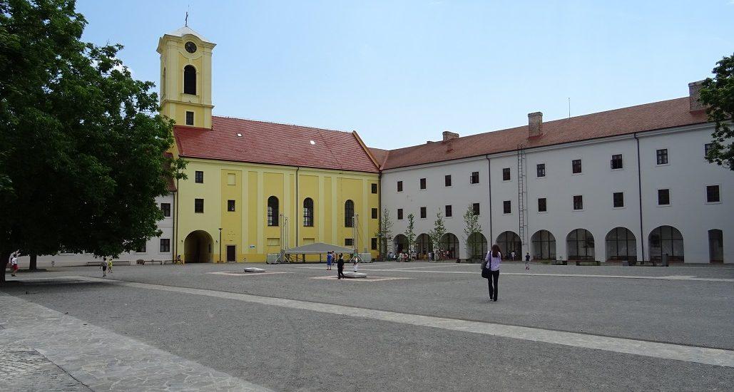Arheoparcul din incinta Cetatii Oradea prinde contur