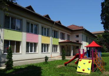 Primaria Oradea a executat sau se afla in faza de finalizare lucrari de reabilitare si modernizare la 19 gradinite si 4 scoli din oras