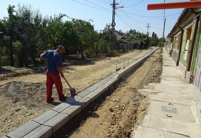 Se reabiliteaza strada Coriolan Hora din cartierul Iosia. Cei peste 2 km de drum vor fi gata anul viitor