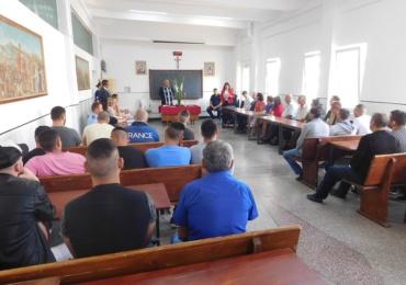 Si detinutii din Penitenciarul Oradea au început școala