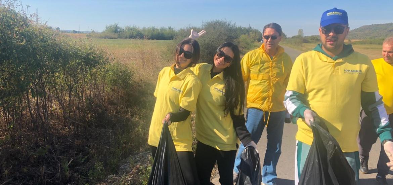 Liberalii din Ineu, TNL Bihor si deputatul Ioan Cupsa intr-o actiune de ecologizare a comunei Ineu