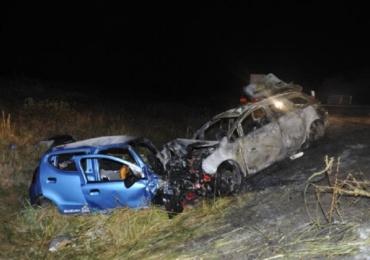 Accident teribil in Ungaria, o romanca si-a pierdut viata. Cele doua autoturisme au luat foc in urma impactului