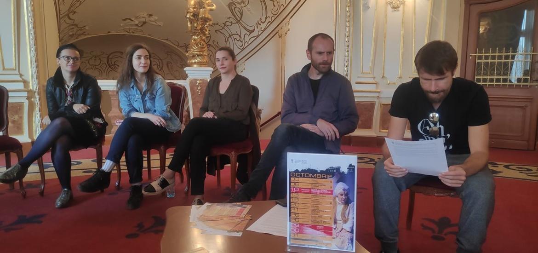 O nouă premieră națională în repertoriul Teatrului Regina Maria CREȘTINI, de Lucas Hnath, regia Radu Iacoban