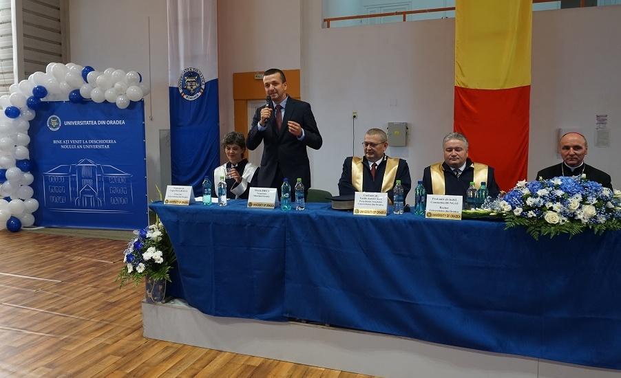 """Viceprimarul Florin Birta, la deschiderea anului universitar la Oradea: """"Va multumesc ca ati ales Oradea"""""""