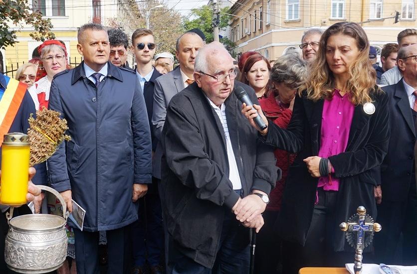 """Profesorului Dorel Tifor i se va acorda titlul de """"Cetatean de Onoare al municipiului Oradea"""""""