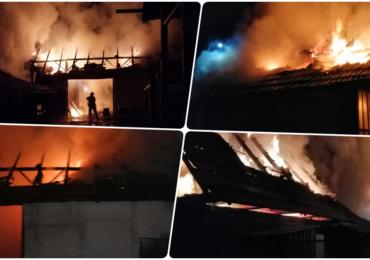 Incendiu violent in localitatea Fanate. Pompierii bihoreni au luptat aproape 4 ore cu focul, pentru a salva o locuinta