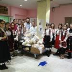 Tineri oradeni au adus un zambet pe fetele celor necajiti, colindand Spitalul Municipal Oradea