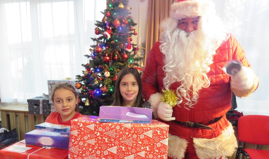 Copiii din Centrul de Zi Oradea au intrat în lumea magică a sărbătorilor de iarnă.