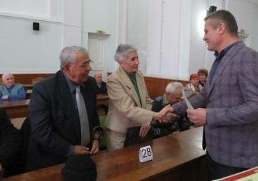 """37 de familii din Oradea, care si-au sarbatorit """"Nunta de Aur"""", au fost premiate cu 500 de lei de Primaria Oradea"""
