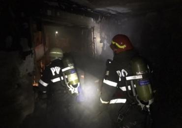 Cinci incendii izbucnite sâmbătă, în Bihor, din cauza coșurilor de fum