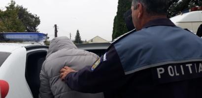 Oradean de 23 de ani, banuit de furturi repetate din autoturisme, a fost retinut de politistii oradeni