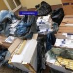 Peste 16.000 de pachete de tigari gasite la un sofer, in Baile Felix, intr-un compartiment ascuns al autoutilitarei pe care o conducea