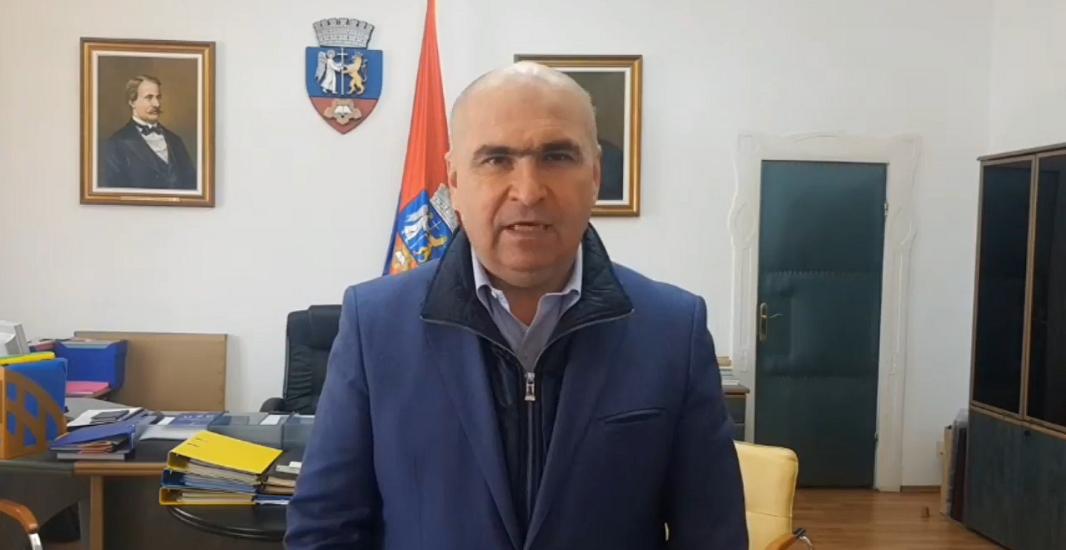 Ilie Bolojan: Am alocat 80.000 de euro pentru cumpararea de tablete ce vor fi puse la dispozitia copiilor, din Oradea, ce nu-si permit, pentru ca si acestia sa participe la cursurile online