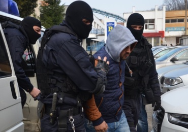 Un barbat de 41 de ani din Salonta prins in flagrant in timp ce vindea o tanara de 23 de ani pentru 400 de euro, pentru prostitutie