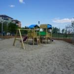Un nou parc de cartier in Oradea, aproape de finalizare. Zone verzi, loc de joaca pentru copii si un teren de baschet