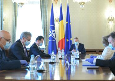 Klaus Iohannis: Dupa 15 mai vom putea iesi afara fara declarartie dar utilizand masca in spatiile inchise