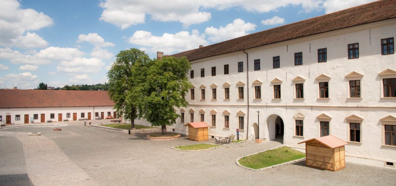 Expozitii temporare si permanente la Muzeul Orasului Oradea