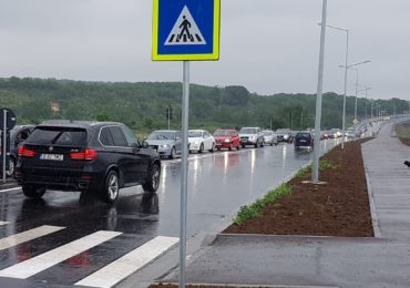 Oradenii s-au inghesuit la inaugurarea ultimului tronson al drumului expres, deschis duminica 21 iunie.