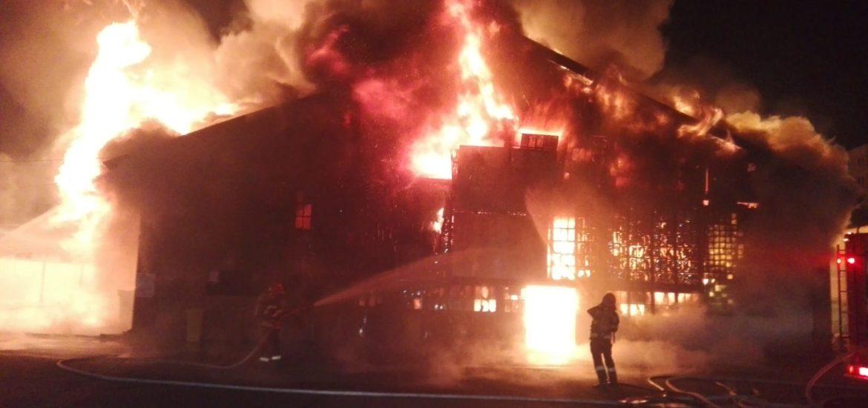 A ars Piata Mare din Oradea. Imagini de la locul dezastrului (Galerie Foto)