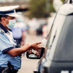 Peste 200 de participanți la trafic care nu au respectat legislația rutieră, sancționați de polițiștii rutieri în acțiune, la sfârșit de săptămână.