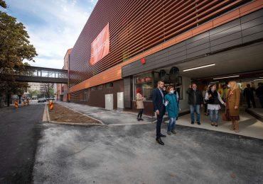 Parcarea supraterana de langa Magazinul Crisul este gata (Galerie Foto)