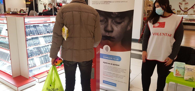 """Oradeni marinimosi! Campania Caritas Eparhial, """"Ajută un copil sărac să aibă un Crăciun mai bun!"""" a avut succesul scontat si anul acesta"""