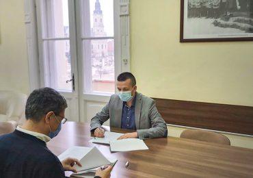 Energie termala prin fonduri europene. Primarul Birta a semnat un contract de 18 mil. euro pentru producere agentului cu termic folosind energie termala