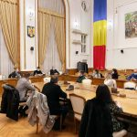 Ambasadorul Romaniei In Italia a participat la o dezbatere cu studentii oradeni, la invitatia viceprimarului Arina Mos