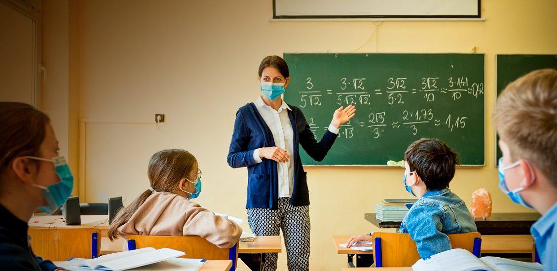 Din 714 unitati scolare din judetul Bihor, doar 449 vor avea elevii prezenti in clasa, incepand de luni, 8 februarie. Vezi scenariile din fiecare localitate, pentru nivelul de invatamant