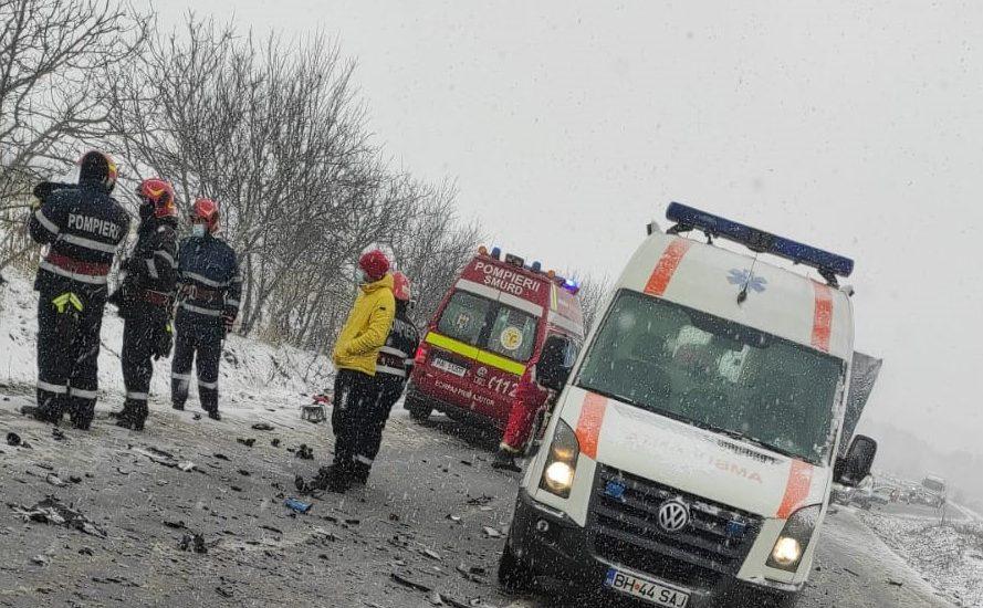 Accident grav, in urma cu o ora, pe DN 76. Din pacate una dintre persoane a murit la scurt timp