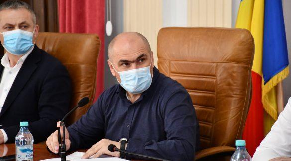 Bolojan: Economie de 6 milioane de euro, din cheltuielile de personal, la bugetul judetului, iar banii se duc la investitii