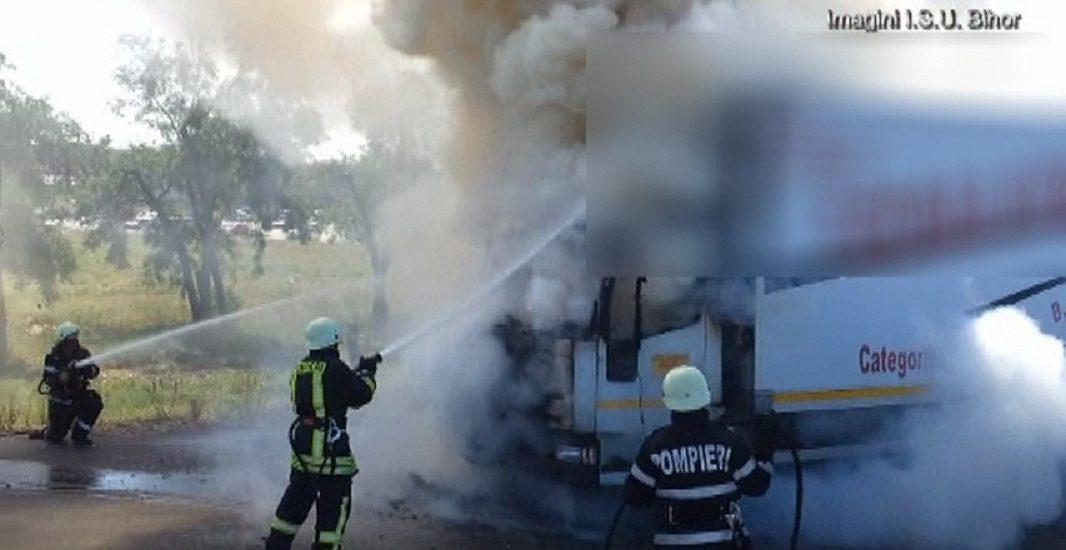 Incendiu la un TIR încărcat cu cereale, în Biharia
