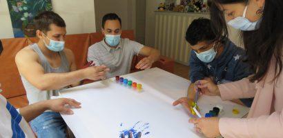 Activitati si consiliere pentru tinerii din Centrul Social Dignitas din Oradea