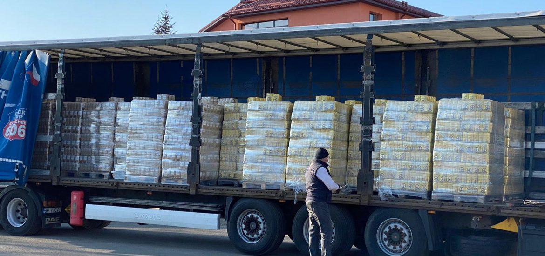 Oradea inimoasa. Patronul unei firme din Oradea a donat 10 tone de grau si malai pentru familiile nevoiase