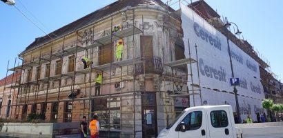Inca o cladire de patrimoniu din Oradea urmeaza sa fie reabilitata. Lucrarile la Palatul Klobusitzky vor fi gata intr-un an