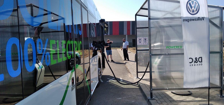 Stație de încărcare rapidă pusă la dispoziția transportului în comun de o firmă din parcul industrial