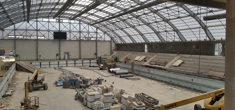 Lucrarile de reabilitare a bazinului olimpic din Oradea avanseaza. Investitia va fi gata la sfarsitul anului acesta