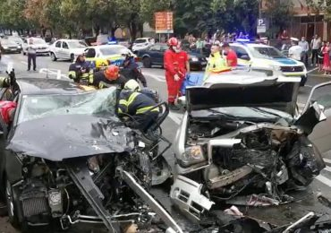 Accident grav pe B-dul Dacia, o tanara de 25 de ani a ajuns in stare grava la spital