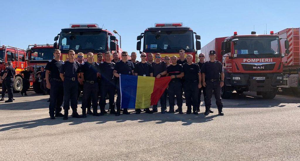 Cei 17 pompieri bihoreni care au participat la o misiune  de sprijin a pompierilor eleni, in lupta cu incendiile care au devastat Grecia, s-au intors azi acasa
