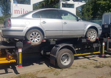 Cunoasteti proprietarul? Volkswagen Passat, fara numere de inmatriculare, ridicat de pe Calea Borsului
