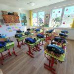 """47 de copii de la Centrul """"Sfântul Martin"""" din Ioanis au primit cate un ghiozdan plin cu rechizite si alte surprize din partea Caritas Eparhial"""