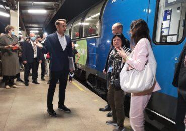 Connecting Europe Express, trenul-simbol al Europei, a staționat în Gara din Oradea (FOTO)