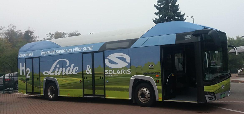 Autobuzul Urbino 12 cu hidrogen va circula timp de câteva zile în Oradea si alte cateva orase din tara